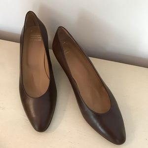 BROOKS BROTHERS BROWN CALF LEATHER HEELS NWOT